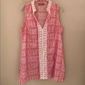 Tops - Pink and white sleeveless tunic top.